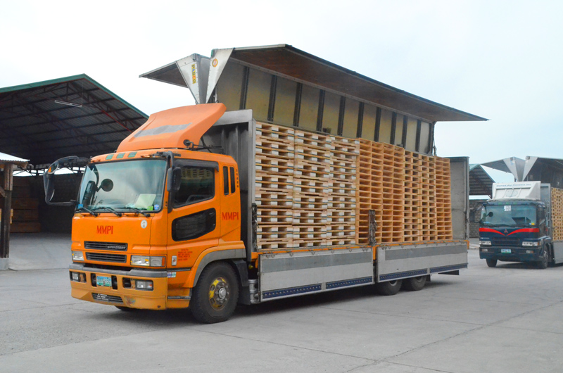 truck-with-pallet